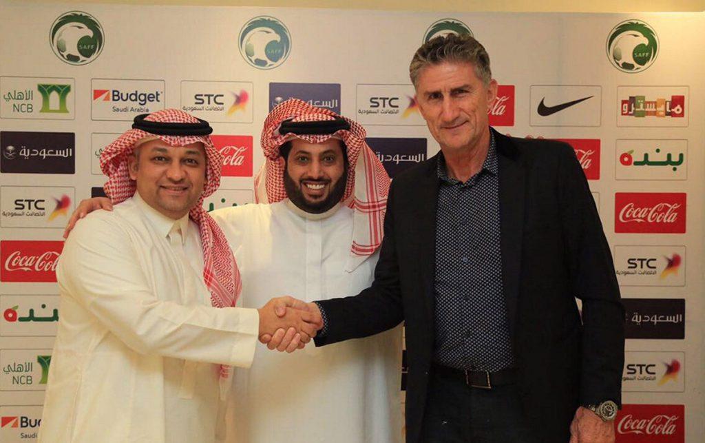 Arabia Saudita despidió al argentino Edgardo Bauza tras dos meses al frente de la selección; Ange Postecoglou renunció en Australia