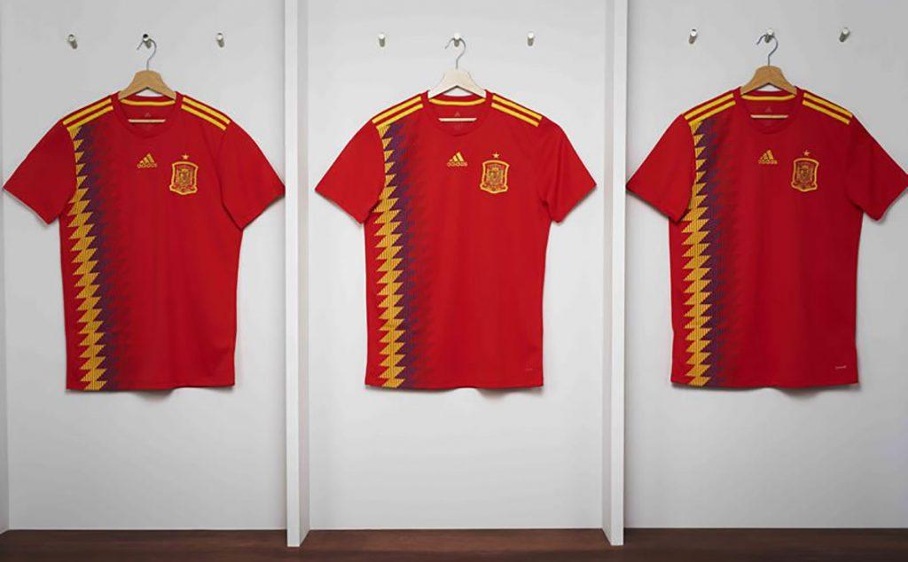 Adidas, fabricante de la camiseta de la selección española, asegura que el modelo que utilizará La Furia en Rusia 2018 está fuera de cualquier asunto político.