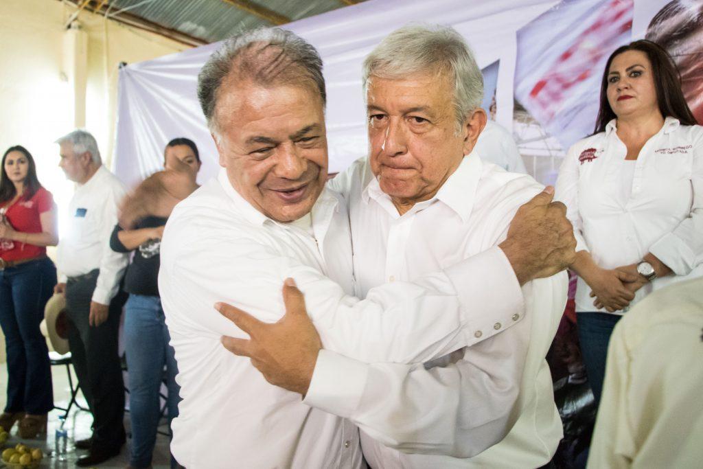 Alberto Anaya y Andrés Manuel López Obrador. CUARTOSCURO.