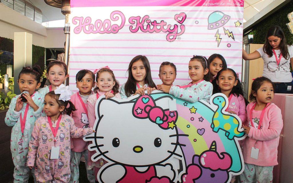Pijamada de Hello Kitty en Liverpool Insurgentes, así se vivió