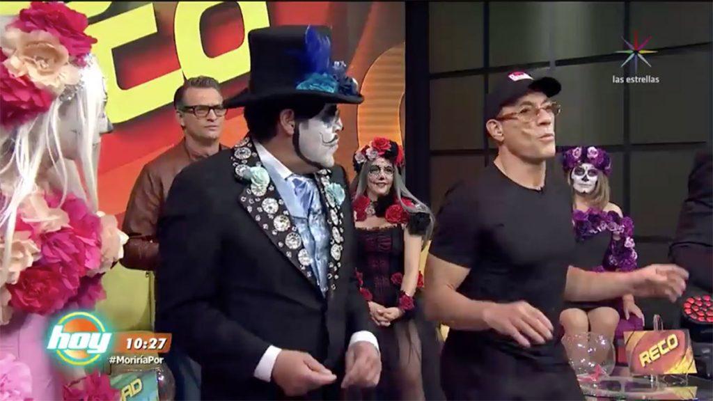 Jean Claude Van Damme volvió a bailar como en la popular escena de 'Contacto Sangriento' durante su visita al programa Hoy de Televisa