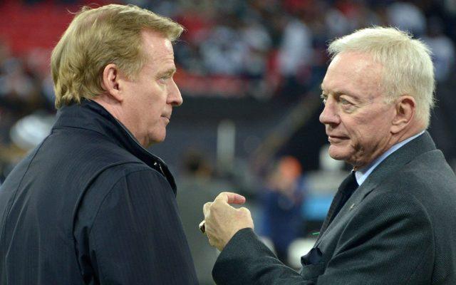 La NFL mandó una carta de advertencia al dueño de los Dallas Cowboys, Jerry Jones, por su actitud publica a no renovar el contrato del comisionado Roger Goodell