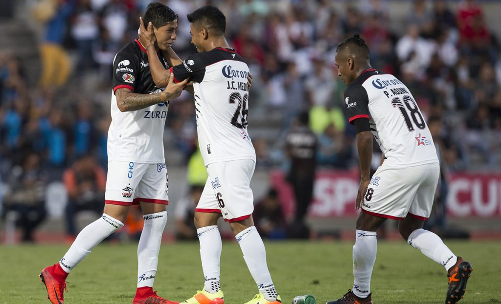 Los Lobos BUAP dieron la sorpresa de la jornada al vencer 2-1 a Rayados del Monterrey para mantener el sueño de meterse a la liguilla