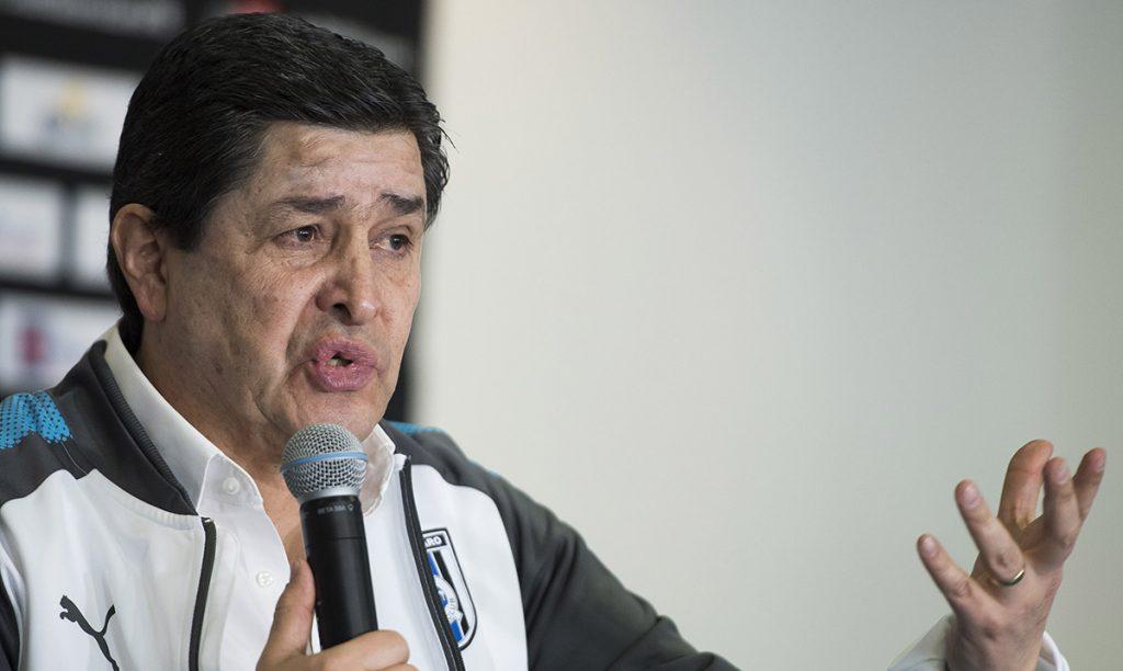 Luis Fernando Tena señaló que le gustaría hacer en Gallos Blancos lo que Ricardo Ferretti en Tigres: estar mucho tiempo y dar alegrías a la gente