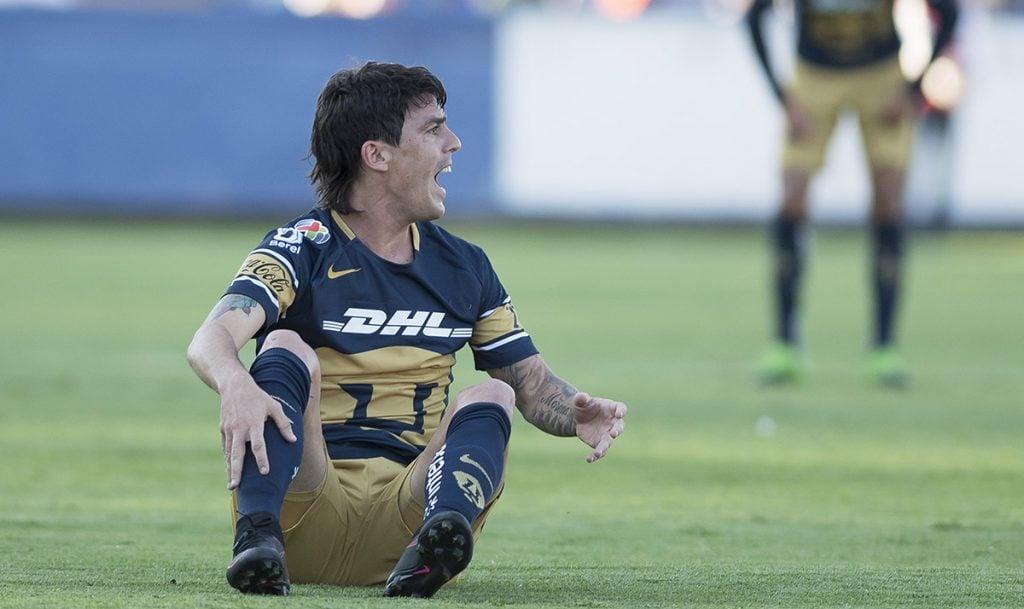 El volante argentino de los Pumas de la UNAM reconoce que la mala temporada del equipo universitario es responsabilidad de todos en la institución.