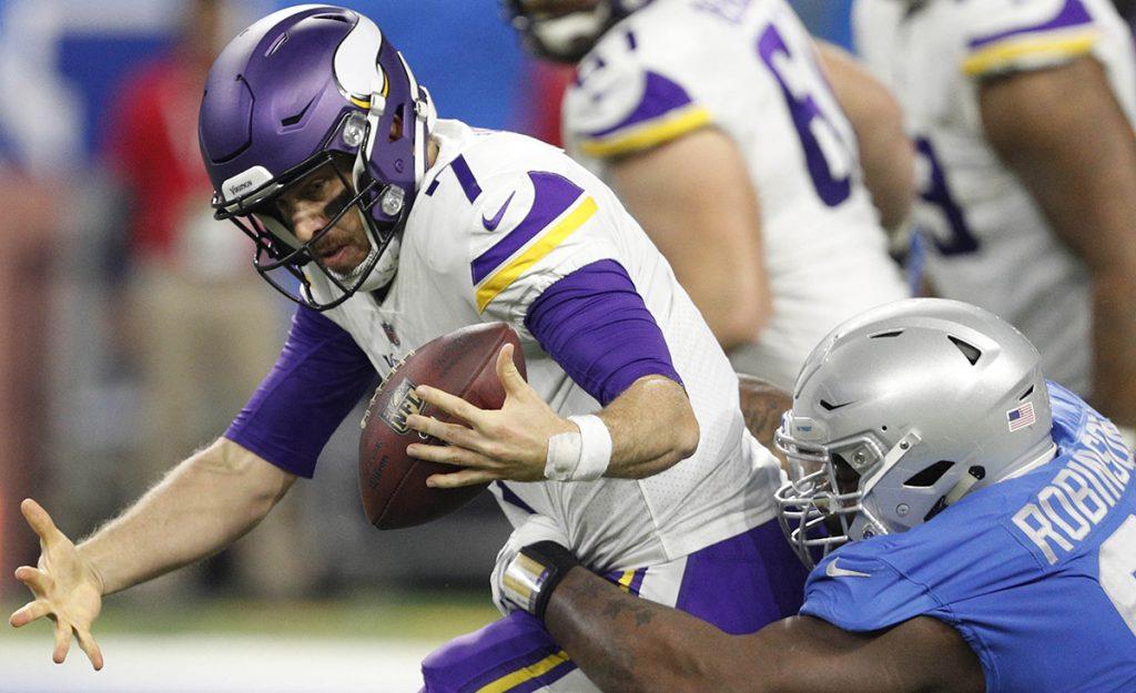 Con dos pases de anotación y carrera para touchdown, Case Keenum lideró a los Vikingos para vencer a Detroit, en el inicio de la Semana 12