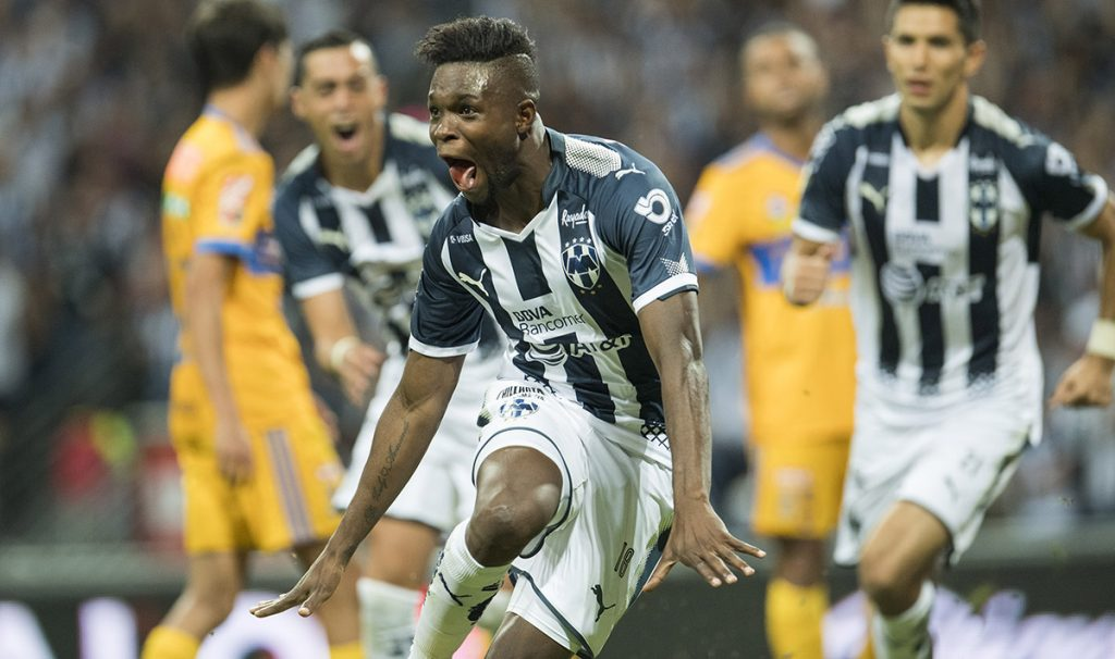Rayados del Monterrey venció 2-0 a su odiado rival Tigres para reafirmar el liderato general del Apertura