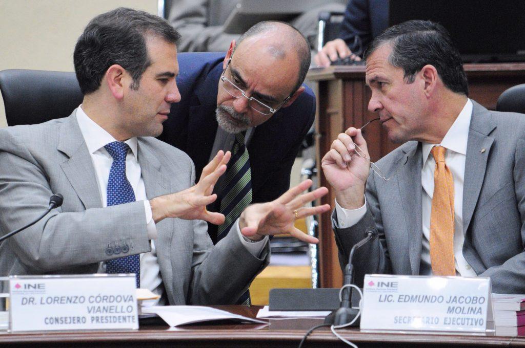 Los consejeros electorales Lorenzo Córdova Vianello y Jaime Rivera Velázquez; Edmundo Jacobo Molina, secretario ejecutivo / Cuartoscuro