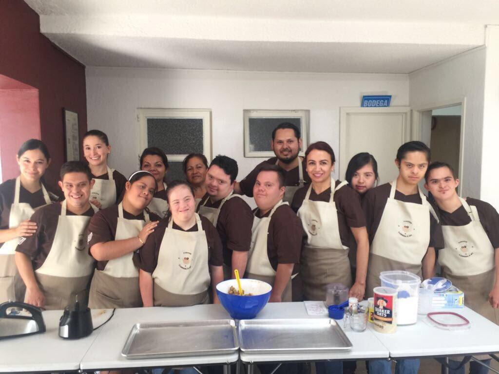 Abren primera cafetería atendida por personas con síndrome de Down en Guadalajara