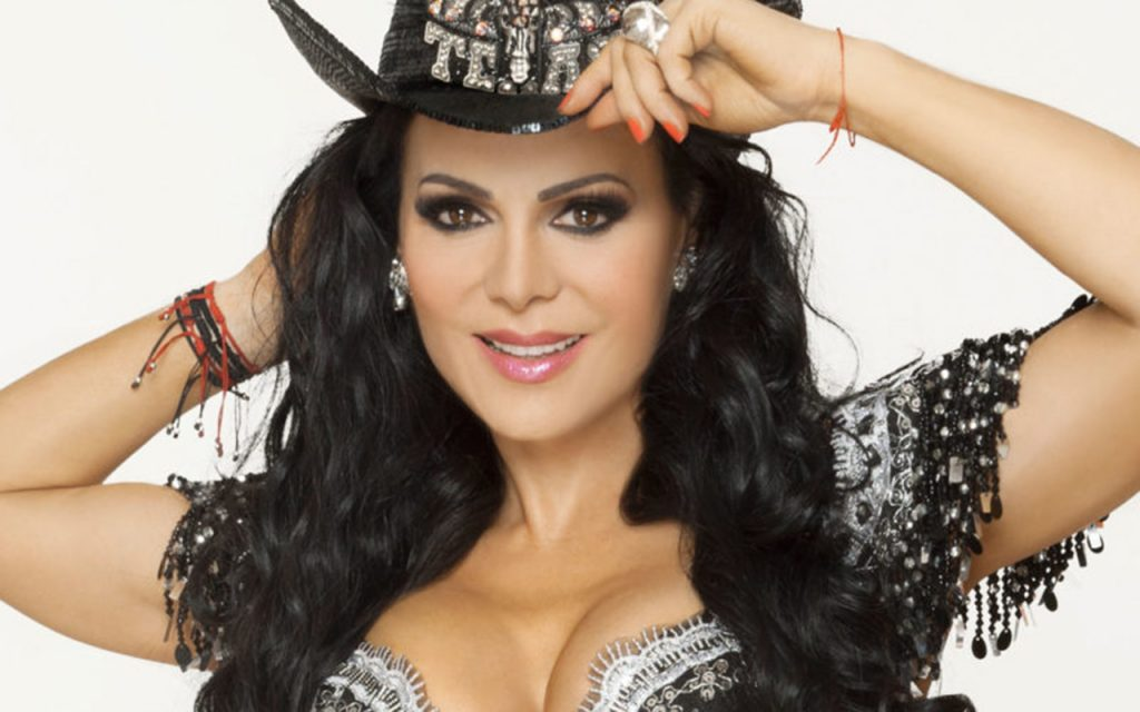 El impactante vestido transparente de Maribel Guardia