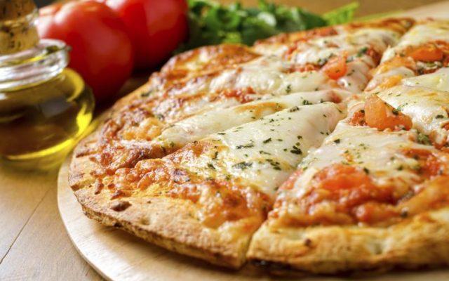 #DomingoDeSolteros Pizza casera