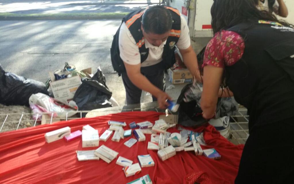 Medicinas en tianguis de Iztapalapa, retiradas por autoridades