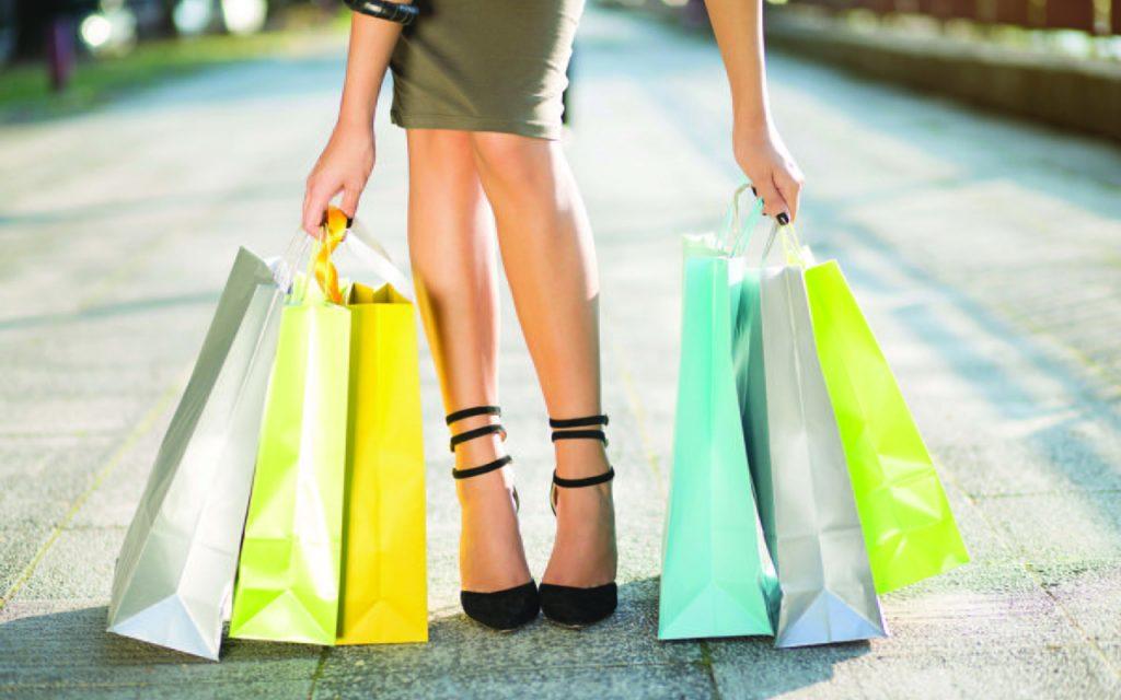 ¿Cómo irte de compras y ahorrar para tu Afore al mismo tiempo?