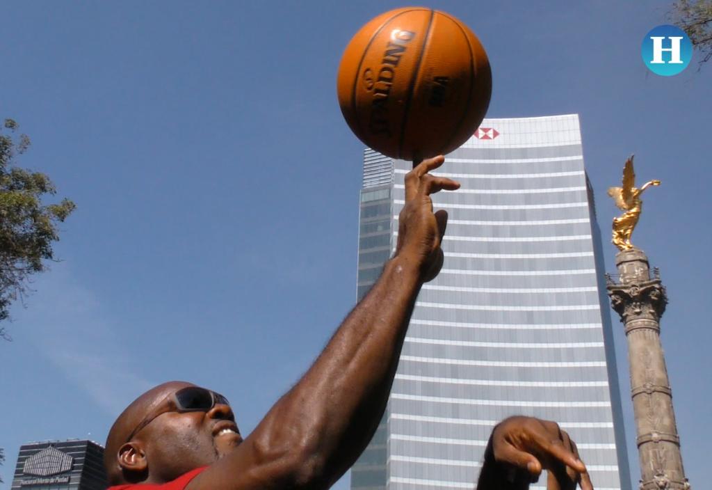 Glen Rice promueve los NBA México Games y convive con fans