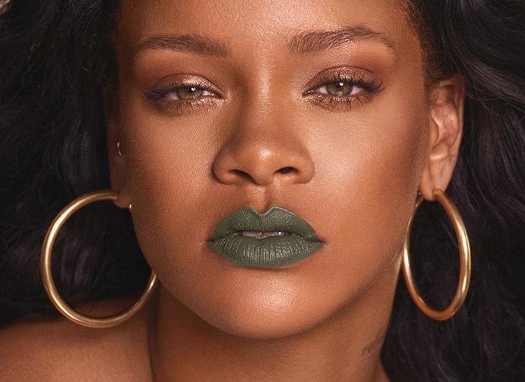 Una destrozada Rihanna, exige fin a la violencia tras homicidio de su primo