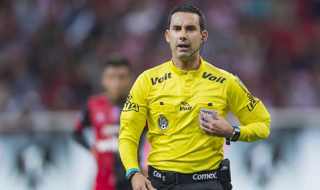 El silbante mexicano César Arturo Ramos fue designado por la FIFA para arbitrar la final del Mundial de Clubes entre el Real Madrid y Gremio