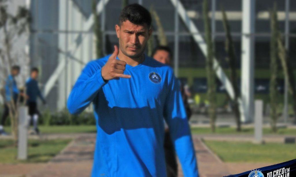 """El volante Jorge """"Chatón"""" Enriquez llega al equipo del Puebla como refuerzo para el Clausura 2018; viene procedente de Santos Laguna"""