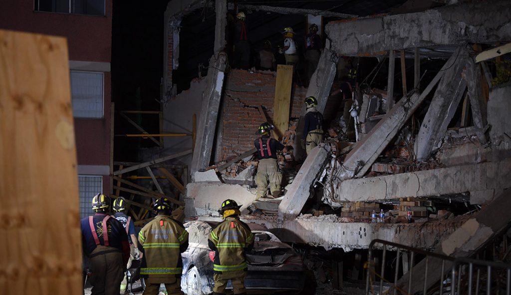 Este sábado inició la demolición de lo que fuera el Colegio Rébsamen, uno de los edificios derrumbados por el sismo del 19 de septiembre