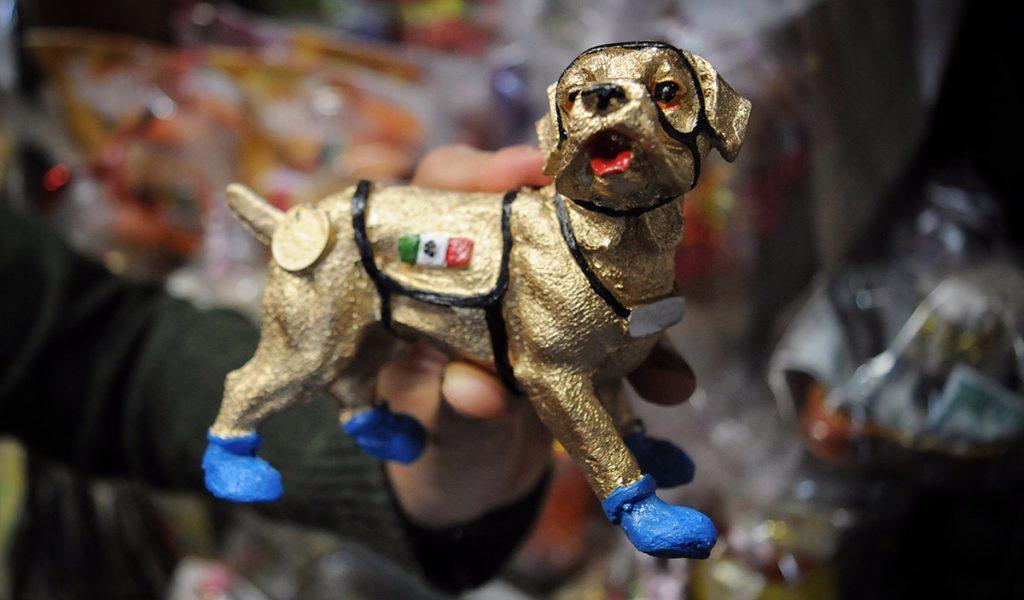 La figura de la popular perrita rescatista Frida ahora aparece como amuleto para protegerse de cualquier eventualidad sísmica