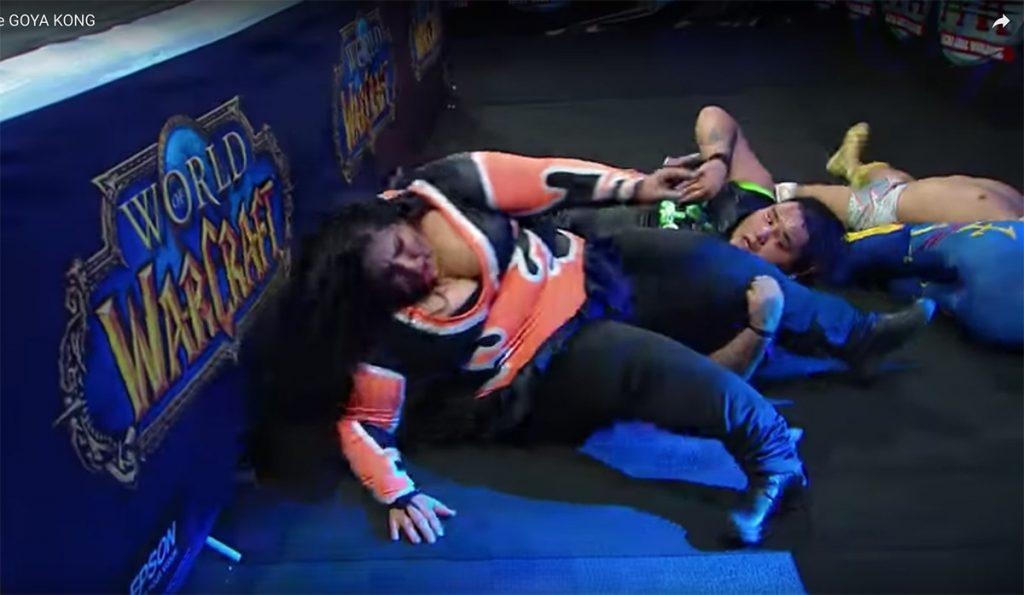 La luchadora de la Triple A, Goya Kong, sufrió una espeluznante fractura de en la pierna derecha al hacer un lance fuera del ring
