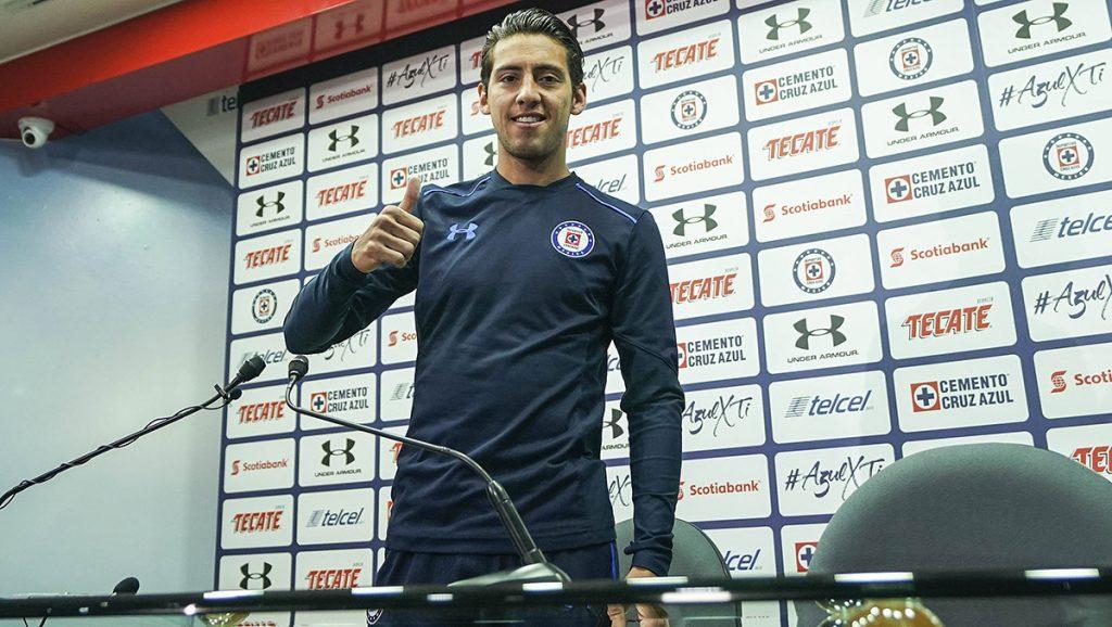 El volante Javier Salas se muestra comprometido con Cruz Azul y asegura llegar al equipo con la única mentalidad de ser campeón