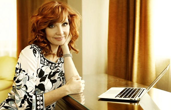 Presentadora de televisión buscará la presidencia de Rusia en 2018