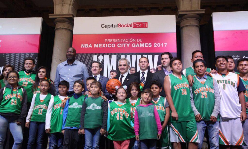 El Jefe de Gobierno de la CDMX, Miguel Ángel Mancera, quiere que la capital mexicana tenga siempre partidos del mejor basquetbol del mundo