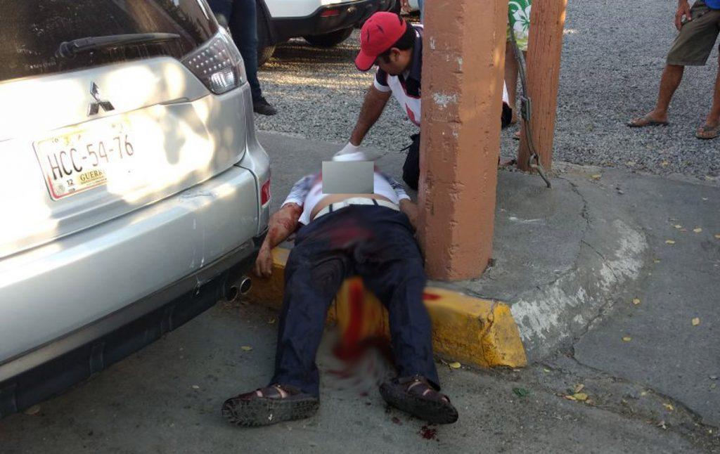 El perredista Mariano Catalán Ocampo fue ejecutado en pleno centro de Zihuatanejo, Guerrero
