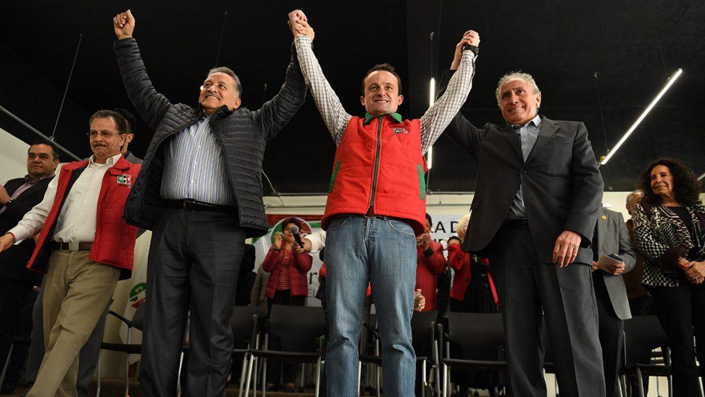 El aspirante a la precandidatura del PRI por la Jefatura de Gobierno de la CDMX, Mikel Arriola, recibe el respaldo de la Confederación Nacional de Organizaciones Populares