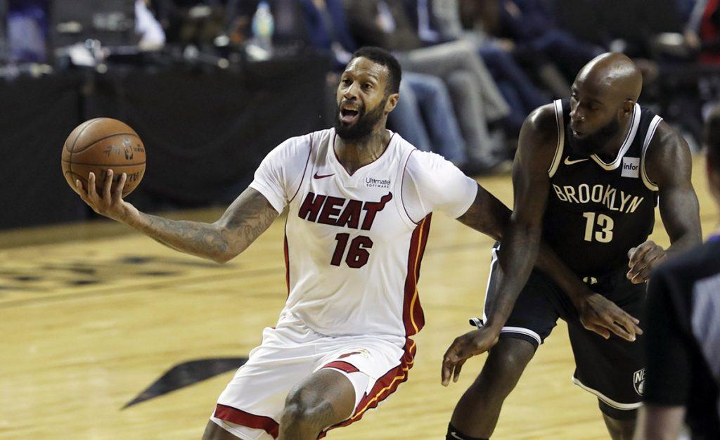 El Miami Heat venció 101-89 a los Nets de Brooklyn, en el segundo partido celebrado en la Arena Ciudad de México, en la capital del país
