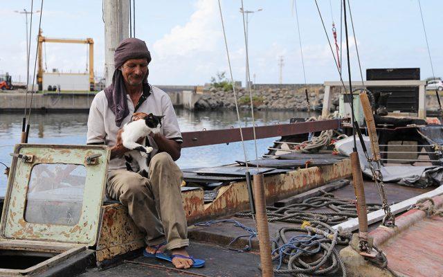 Un marinero polaco de 54 años fue rescatado frente a la isla francesa de La Reunión tras haber pasado siete meses a la deriva en el océano Índico