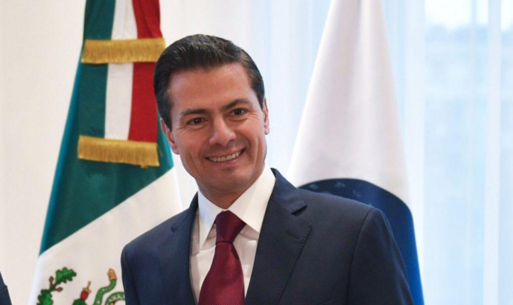 El Presidente de México, Enrique Peña Nieto compartió, a través de Twitter, un mensaje de fin de año en el que señala qu el futuro del país debe ser más grande que su historia