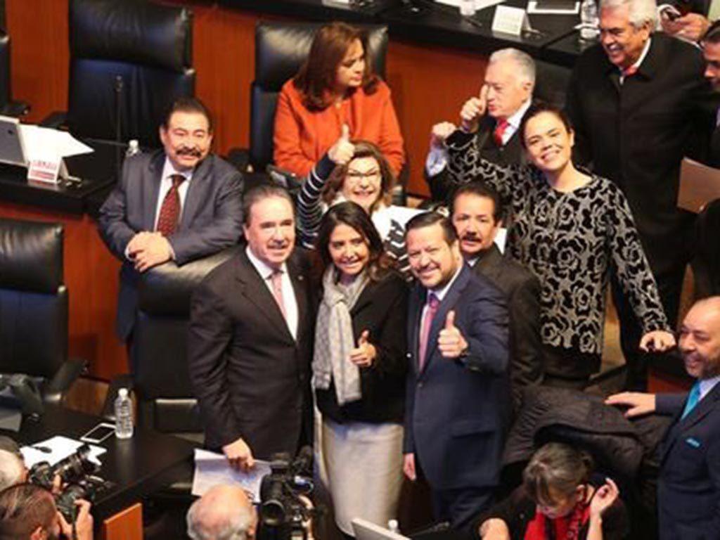 VIDEO: Alejandra Barrales, agradecida, pide licencia al Senado