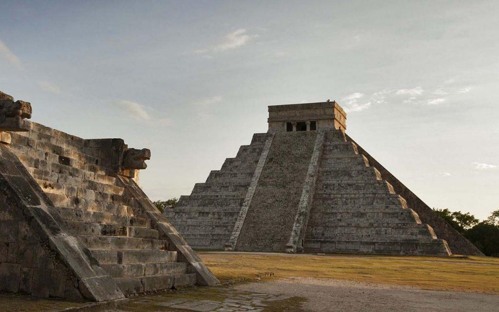 Alistan amparo contra concierto de Manzanero en Chichén Itzá