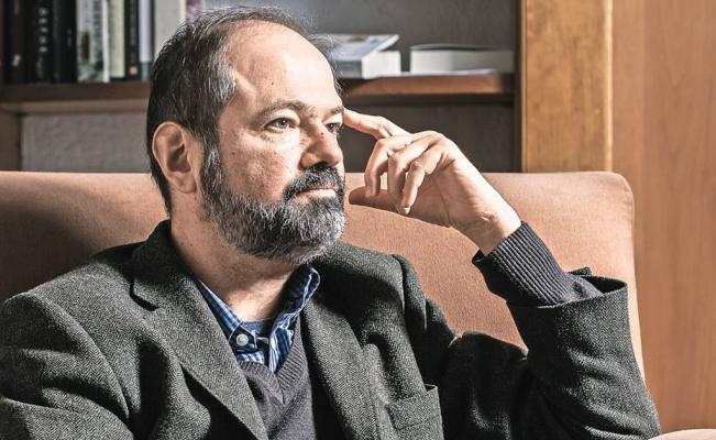 Juan Villoro: Un escritor no debe escribir por fuerza