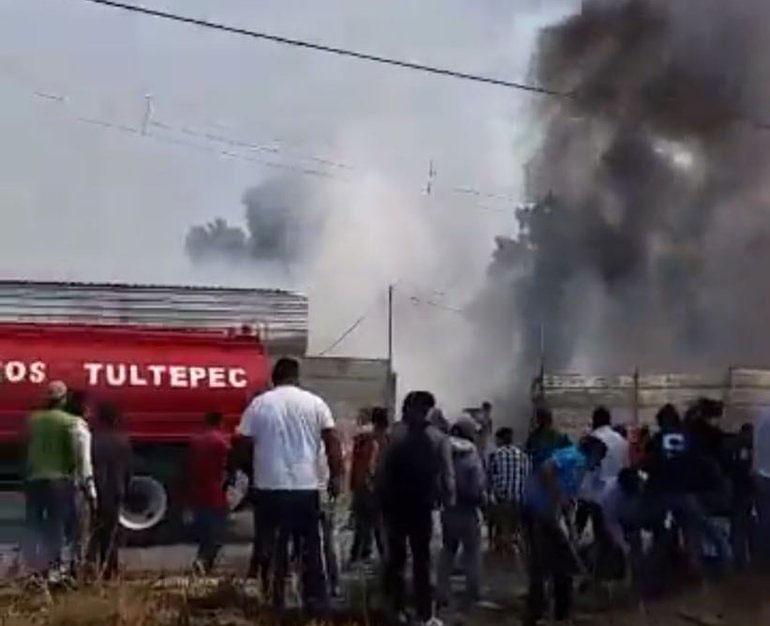 Explosión en taller de pirotecnia de Tultepec deja un muerto