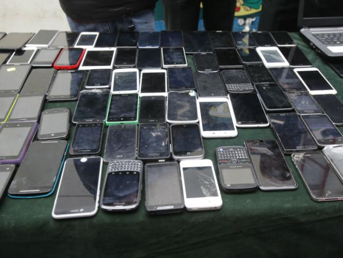 Omiten robo de celulares