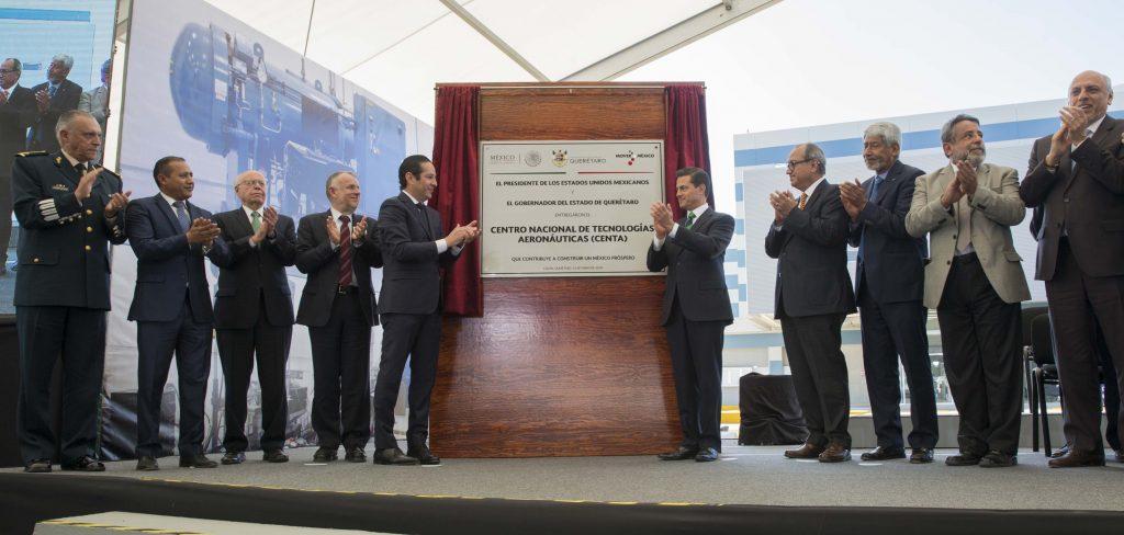 El presidente Enrique Peña Nieto durante la inauguración del edificio del Centro Nacional de Tecnologías Aeronáuticas (CENTA). Notimex.