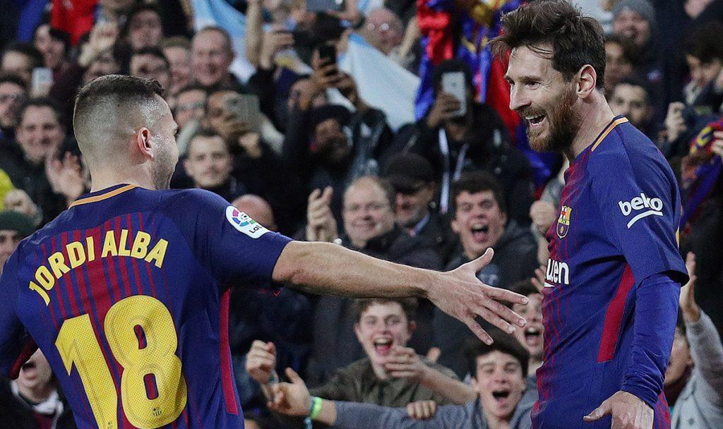 Con goles de Luis Suárez y Lionel Messi, Barcelona venció 2-0 (2-1 global) al Espanyol y clasificó a semifinales de Copa del Rey; Messi marcó el gol 4 mil en el Camp Nou