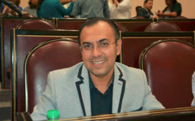 Primo de Karime Macías va por diputación federal; los Yunes lo impulsan