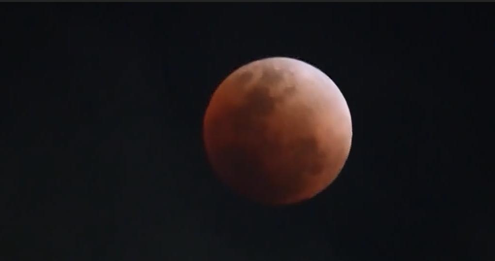 """El eclipse de la """"superluna de sangre azul"""""""