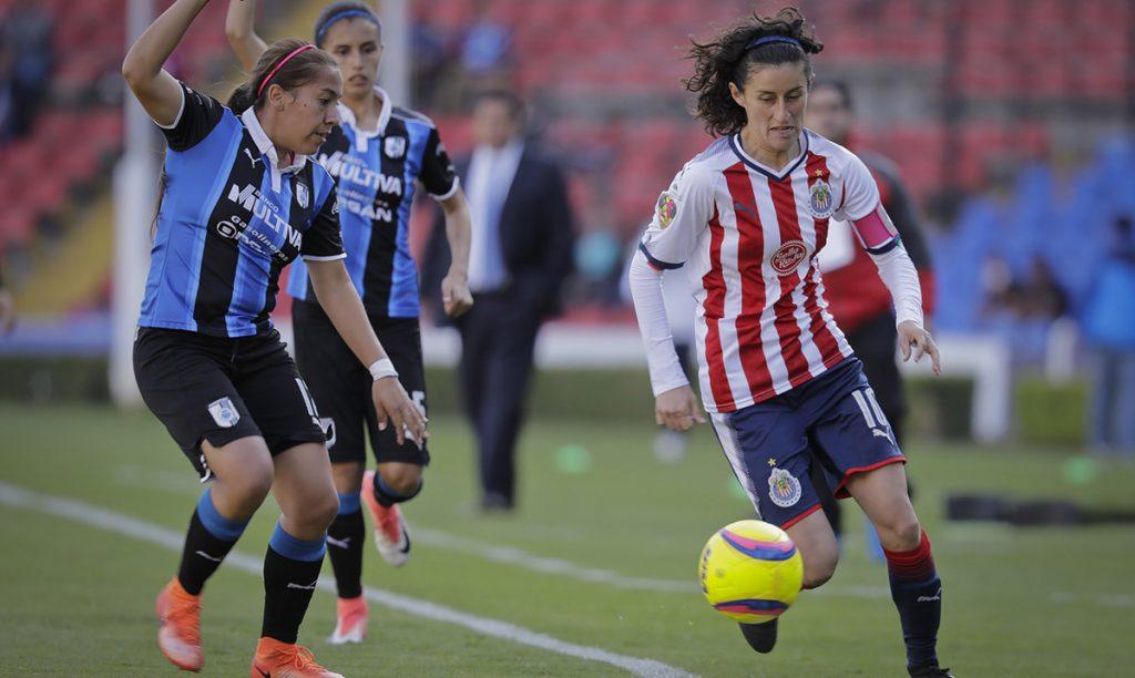 El campeón Chivas rescató el 1-1 con otro gol olímpico de Tania Morales; América cayó en casa con Toluca y Atlas goleó a Santos