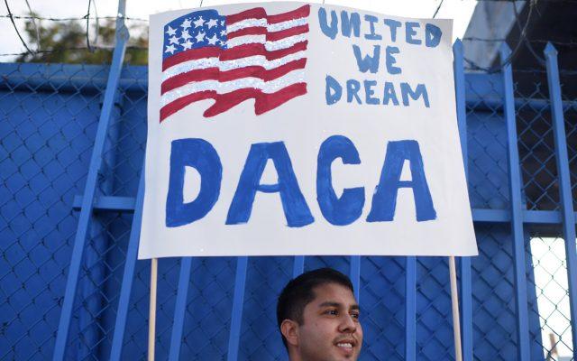 El gobierno estadounidense anunció que aceptará solicitudes de renovación para jóvenes inmigrantes aprobados para el programa DACA (Dreamers)