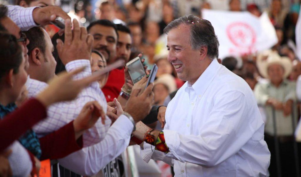 José Antonio Meade, precandidato presidencial de la coalición PRI, PVEM y Nueva Alianza, reiteró que su compromiso es que las familias de México vivan tranquilas