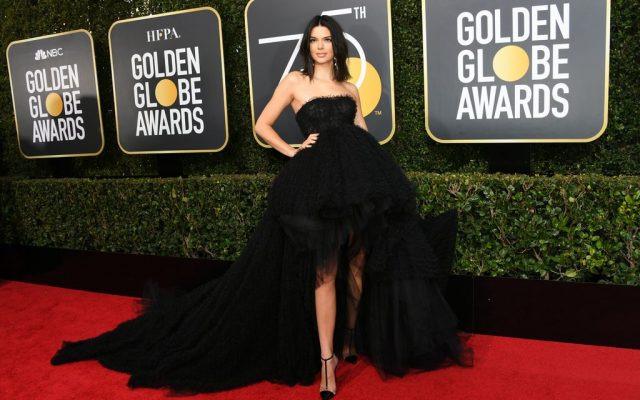 Critican presencia de Kendall Jenner en Golden Globes