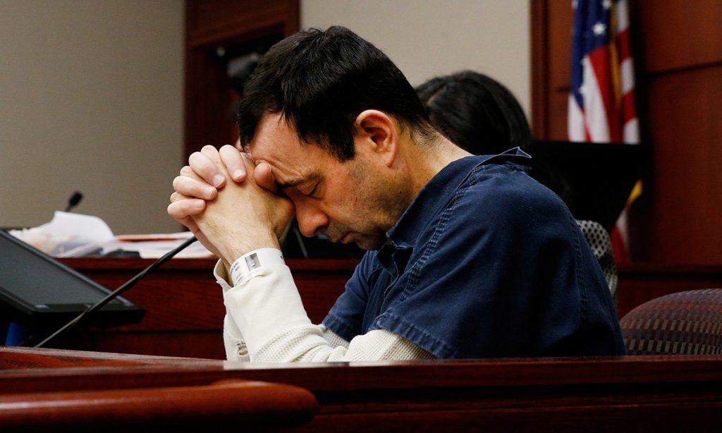 Varias gimnastas abusadas sexualmente por el exmédico del equipo de EU, Larry Nassar, encararon en el juicio a su agresor