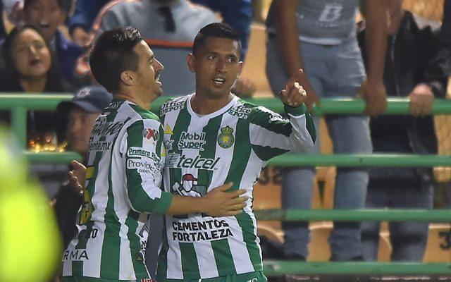 Los Esmeraldas del León llevan marca perfecta en el torneo al golear 3-1 a los Diablos Rojos del Toluca