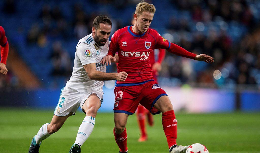 Numancia, de la segunda división de España, sacó un honroso 2-2 ante el Real Madrid, dentro de los octavos de final de la Copa del Rey; Madrid avanzó con global de 5-2