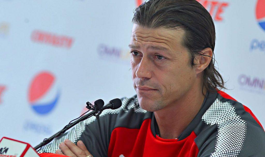 Para Matías Almeida, técnico de Chivas, el buen arranque de Ronaldo Cisneros y Javier López debe ser tomado con tranquilidad por la prensa