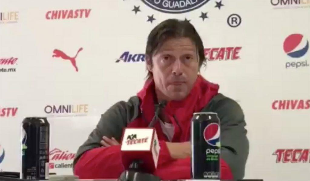 Matías Almeyda, técnico de Chivas, señaló que la faltas de refuerzos le impide a su equipo jugar de igual a igual contra otros equipos